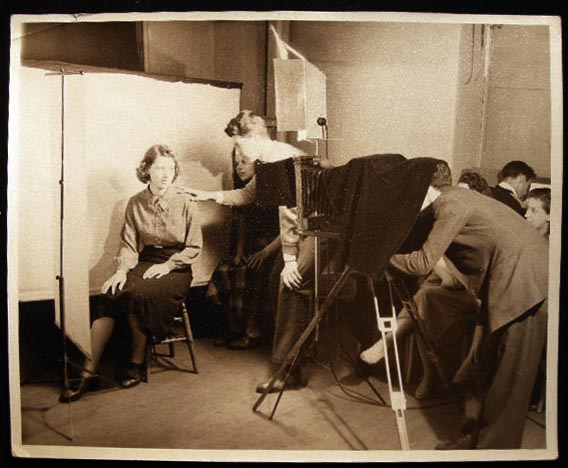 Circa 1950 Photograph of a Portrait Photography Class in Session. Americana - 20th Century - Photography - education.