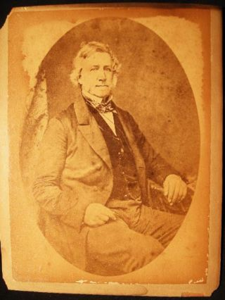 Circa 1880 Cabinet Card Photograph of a Seated Gentleman. Americana - 19th Century - Photography